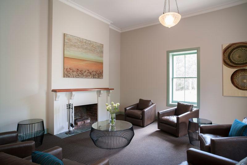 oscar 39 s on the yarra go beyond melbourne. Black Bedroom Furniture Sets. Home Design Ideas